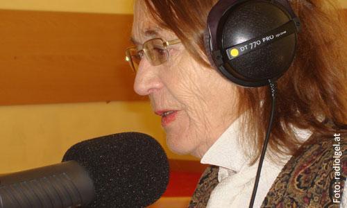 Die namhafte österreichische Autorin Renate Welsh ist seit rund 40 Jahren als Schriftstellerin tätig. Im Mai war sie an der NNÖMS Baden zu Gast. - Renate-Welsh01